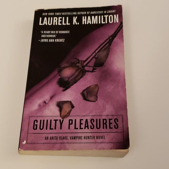 📚 5 for $20 Laurell K. Hamilton, Guilty Pleasures